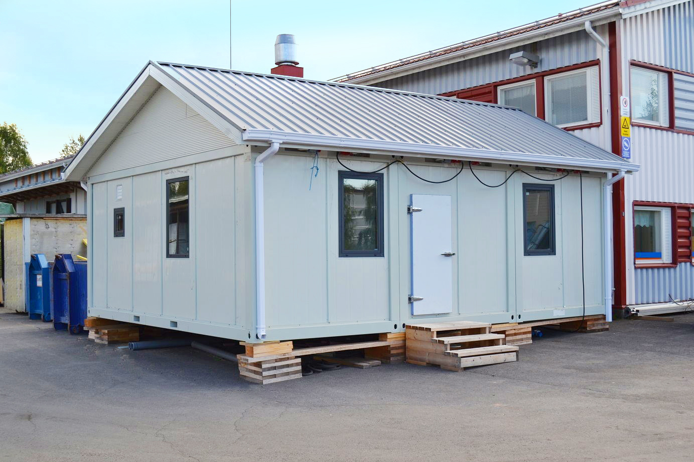 prefabricated container homes on site installation-1